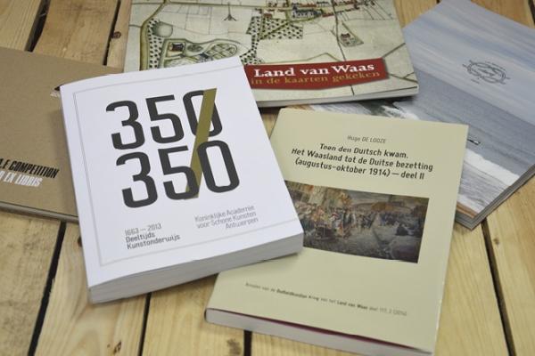 boeken-16972A9B1-7FC3-CFEF-A064-3F1BA3AFF501.jpg