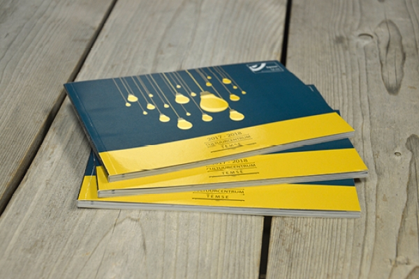 boeken195A6EBC5C-E29C-051B-7D77-D9941BE21054.jpg